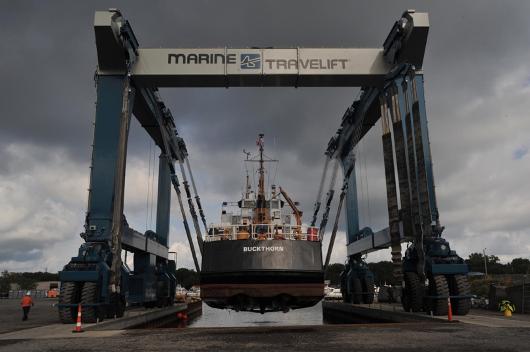 700 metric ton ship hoist