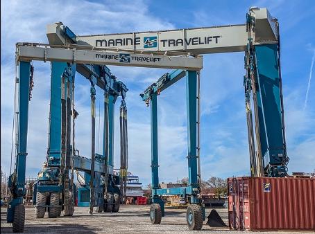 Shipyard with big lifts